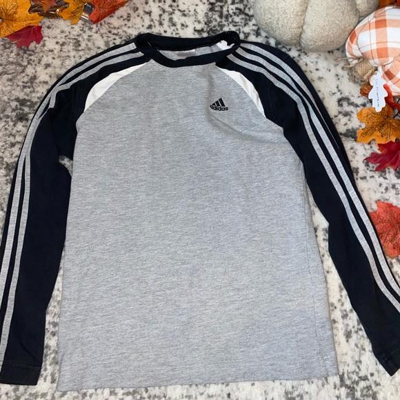 🥳 2/$15 OR 3/$20 🥳 Kids adidas Long Sleeve